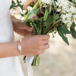 """""""Melina"""" Bracelet  de mariée en argent et cabochon en pierre de lune"""