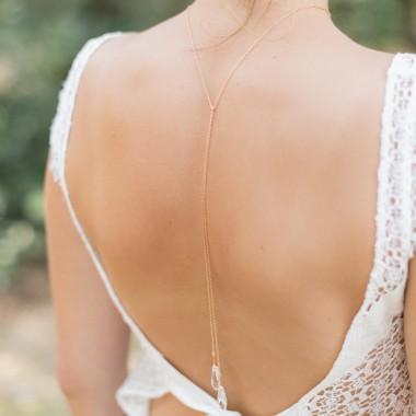 """Amelina"" Collier bijou de dos avec gouttes pendantes en cristal"