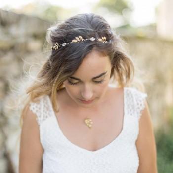 """""""Chiara"""" Couronne de mariée délicate avec feuilles et cristaux"""