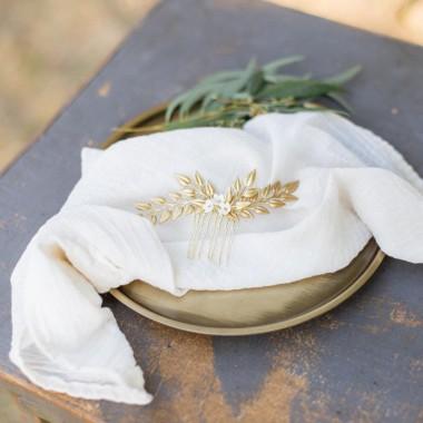 """""""Nilla"""" Peigne de mariée avec joli feuillage et fleurs délicates"""