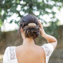 """""""Lia"""" Peigne de mariée avec fleurs en porcelaine et feuillage"""