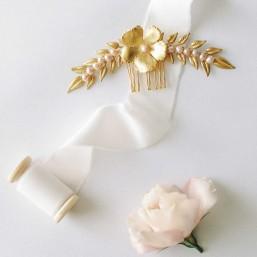 """""""Perla"""" Peigne de mariée feuilles, fleur et perles d'eau douce"""
