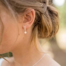 """""""Malvina"""" Boucles d'oreilles en strass avec une perle nacrée"""