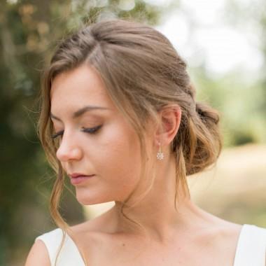 """""""Rosana"""" Boucles d'oreilles avec joli pendentif fleur et zircons"""