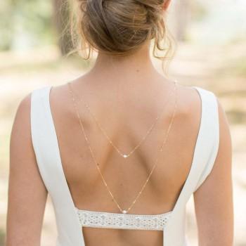 """""""Lidia"""" Collier bijou de dos avec perles d'eau douce ou perles nacrées."""