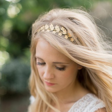https://www.latelierdesylvie.com/2116-thickbox/florina-couronne-pour-coiffure-de-mariee-feuilles-de-lierre.jpg