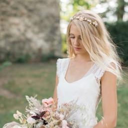 """""""Bruna"""" Couronne de mariée feuillages et fleurs en porcelaine"""
