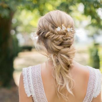 """""""Bella"""" Peigne de mariée avec feuillages et fleurs de porcelaine"""
