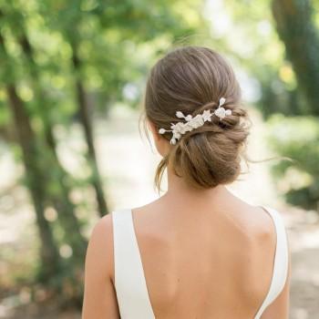 """""""Agata"""" Peigne de mariée avec multitudes de fleurs en porcelaine"""
