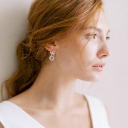 """""""Tessa"""" Boucles d'oreilles feuille et pendentif rond en cristal"""