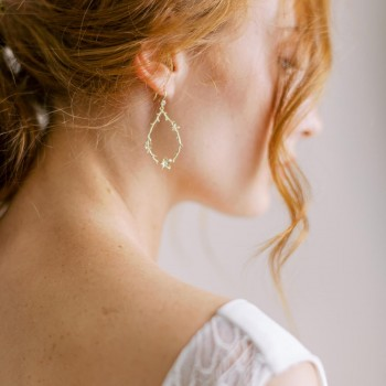 """""""Olina"""" Boucles d'oreilles pendantes branche fleurie"""