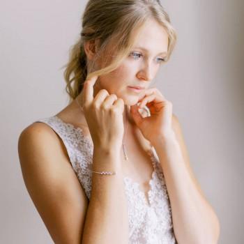 """""""Davina"""" Bracelet de mariée avec intercalaire épi en strass et perle nacrée"""