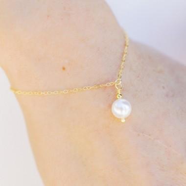 https://www.latelierdesylvie.com/2323-thickbox/navia-bracelet-de-mariee-avec-pendentif.jpg