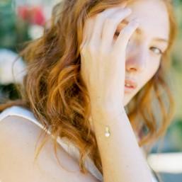 """""""Primavera"""" Bracelet de mariée avec pendentif en strass et perle nacrée"""