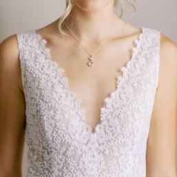 """""""Tessa"""" Collier de mariée feuille et pendentif en cristal"""