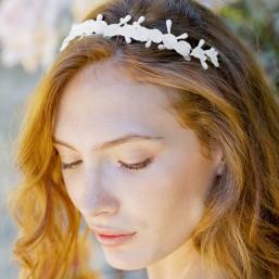 """""""Jalia"""" Couronne de mariée délicate feuilles et pistils en porcelaine"""