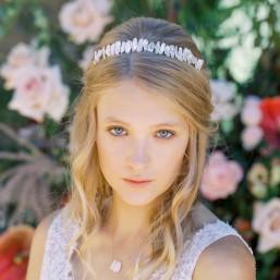 """""""Briana"""" Couronne de mariée avec jolies perles d'eau douce irrégulières"""