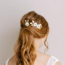 """""""Victoria"""" Pics pour coiffure de mariée avec feuillages et fleurs émaillées"""