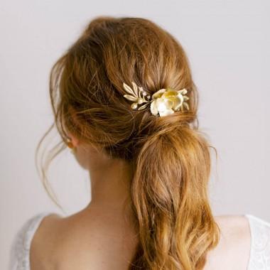 https://www.latelierdesylvie.com/2457-thickbox/talia-peigne-de-mariee-delicat-feuillages-et-fleurs-en-laiton.jpg