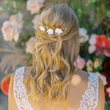 https://www.latelierdesylvie.com/2491-thickbox/maelia-trio-de-pics-et-peigne-fleuris-pour-coiffure-de-mariee.jpg