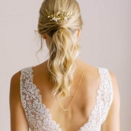 """Aria"" Collier de mariée avec bijou de dos et joli intercalaire fleuri"