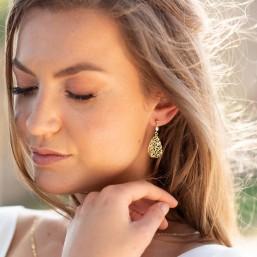 """""""Léa"""" Boucles d'oreilles de mariée avec pendentif goutte filigrané et petite perle nacrée"""