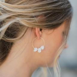 """""""Carina"""" Boucles d'oreilles créoles avec jolis boutons de rose en porcelaine"""