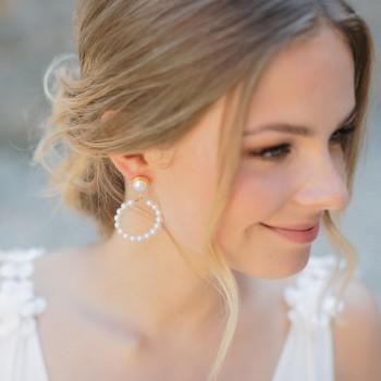 """""""Natalia"""" Boucles d'oreilles de mariée créoles avec perles nacrées"""
