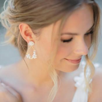 """""""Ondella"""" Boucles d'oreilles de mariée branche fleurie et fleurs séchées"""