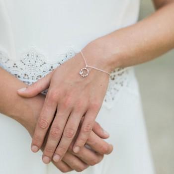 """""""Bianca"""" Bracelet de mariée avec pendentif rond strassé"""