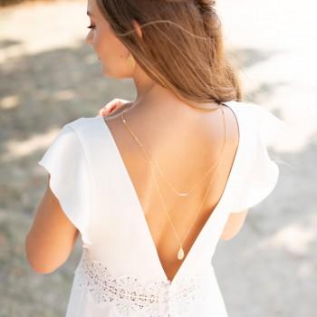 """""""Léa"""" Collier de mariée bijou de dos avec pendentif filigrané et petites perles nacrées"""