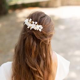 """""""Milana"""" Peigne de mariée avec multitude de fleurs en porcelaine"""