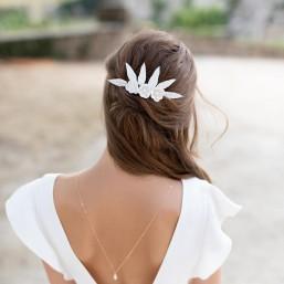 """""""Adela"""" Peigne de mariée jolies fleurs de pavots et feuilles de porcelaine"""
