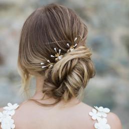 """""""Noria"""" Pics pour coiffure de mariée avec fleurs dentelées, pistils et petites fleurs en porcelaine"""