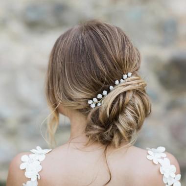 https://www.latelierdesylvie.com/2840-thickbox/macha-petit-peigne-et-pics-coiffure-de-mariee-boutons-de-roses-en-porcelaine-.jpg