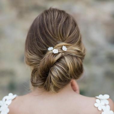 https://www.latelierdesylvie.com/2851-thickbox/rosina-pics-pour-coiffure-de-mariee-jolies-roses-en-porcelaine.jpg