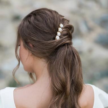 https://www.latelierdesylvie.com/2853-thickbox/vana-barrette-fleurie-pour-coiffure-de-mariee.jpg