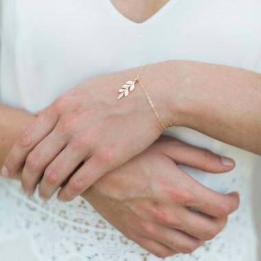 https://www.latelierdesylvie.com/2869-thickbox/fania-bracelet-de-mariee-jolie-branche-feuilles.jpg