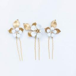"""""""Barbara"""" Pics en trio pour coiffure de mariée avec feuillages en laiton et fleurs émaillées"""